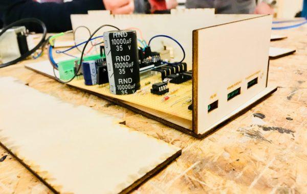 Programmering, elektronikk og design